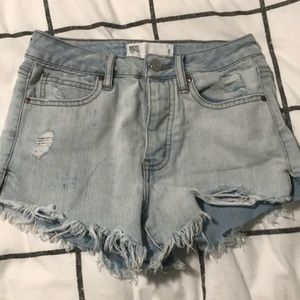 tilly's high waisted light wash jean shorts